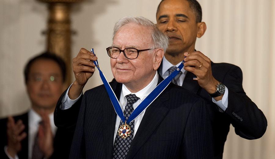 US President Barack Obama awards the 201
