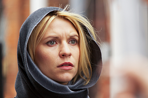 Claire Danes as Carrie Mathison in Homeland (episode 9) - Photo: Kent Smith/SHOWTIME - Photo ID: homeland_108_0042